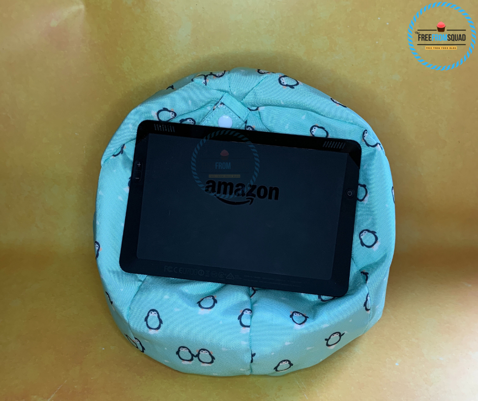Pepper the Penguin Tablet Cushion Stand